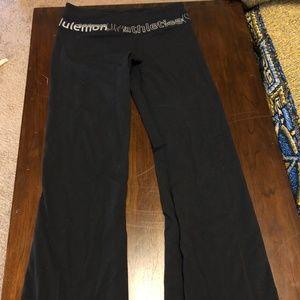 Lululemon Black Flared Leggings Size 6 Reversible